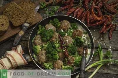 Pateuri rapide de carne cu broccoli în sos de bechamel