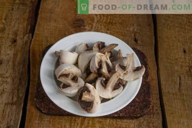Salată de carne de porc și de ciuperci în stil rural