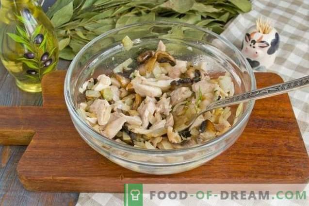 Salată cu ciuperci prăjite și pui