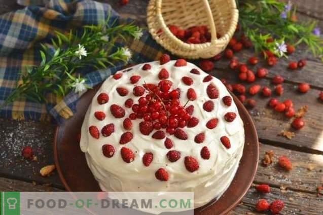 Бисквити с ягоди и сметана