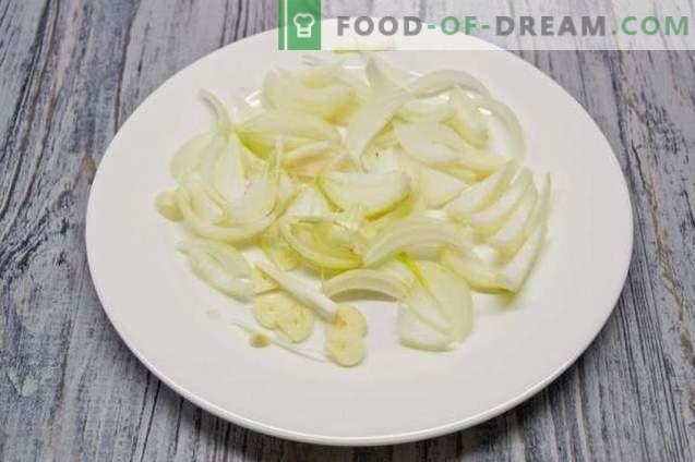 Hühnerbrustsuppe mit Zucchini und Gelbwurz