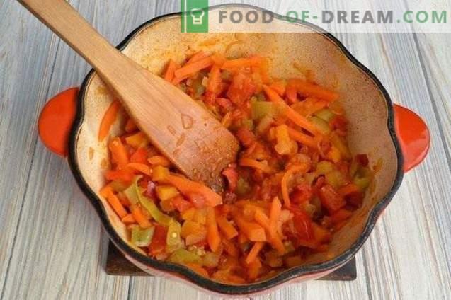 Kürbissuppe mit Paprikaschoten und Kartoffeln
