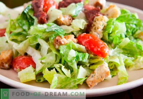Salata de Caesar cu somon - retetele potrivite. Gatit rapid si gustos Salata de Caesar cu somon.