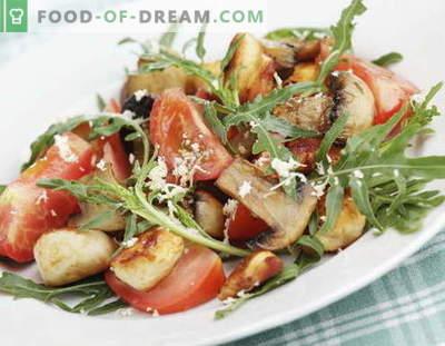 Salată cu pui și ciuperci - cele mai bune rețete. Cum să gătești în mod corespunzător și delicios salate de la pui cu ciuperci.