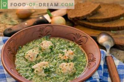 Spinach Soup with Meatballs