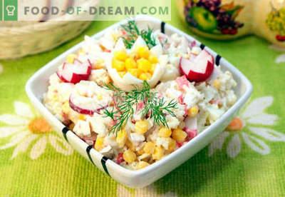Salată cu carne de crab - cele mai bune cinci rețete. Cum să gustați în mod corespunzător și gustos o salată cu carne de crab.