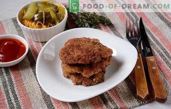 Prăjitură de carne de vită: delicată, suculentă, cu crustă crocantă. Rețeta fotografică pas-cu-pas a copiilor de carne tocată, prăjită într-o tigaie în pesmet