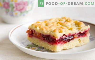 Tort de nisip cu jam: dulciuri din cămară. Bunica lui Secretele de pateuri Jam Jam