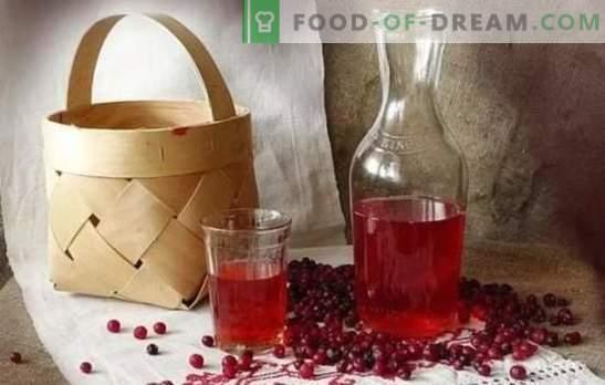 Tinctura de lingonberry acasă: secrete de gătit. Lichior de casă gustos din lingonberry pe vodcă, alcool, coniac