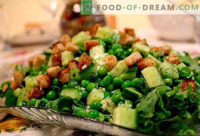 Salate cu mazăre conservată - primele cinci rețete. Cum să preparăm în mod corespunzător și delicios salate cu mazare conservată.