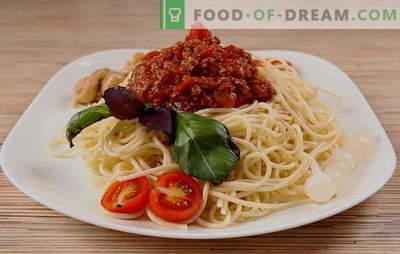 O cină simplă cu aromă italiană - spaghete bolognese. Spaghete vegetariene, clasice și picante bolognese