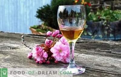 Calvados-recept voor appels thuis volgens het klassieke recept met eikenchips. Calvados van appels thuis op wodka of maneschijn