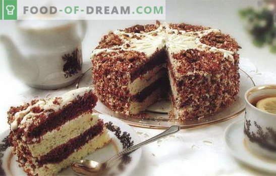 Un tort cu lapte condensat și smântână este o delicatesă pe care toată lumea îi place. Rețete pentru prăjituri cu lapte condensat și smântână