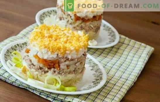 Salata de pește cu ouă este un fel de mâncare delicioasă. O selecție de salate de pește originale cu ouă, legume, legume și fructe