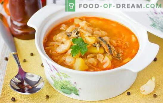 Supa de șrot în sosul de roșii este o versiune bugetară a unui prânz gustos. Retete dovedite de supă de șprot în sos de roșii