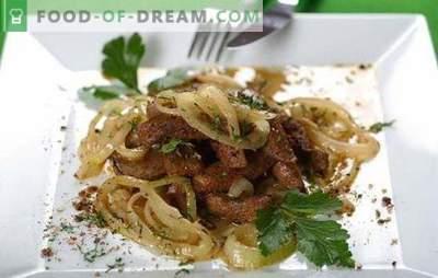 Ficat de vită cu ceapă - gătește repede! Diferite rețete de carne de vită cu ficat, cu ceapă și morcovi, smântână, cartofi