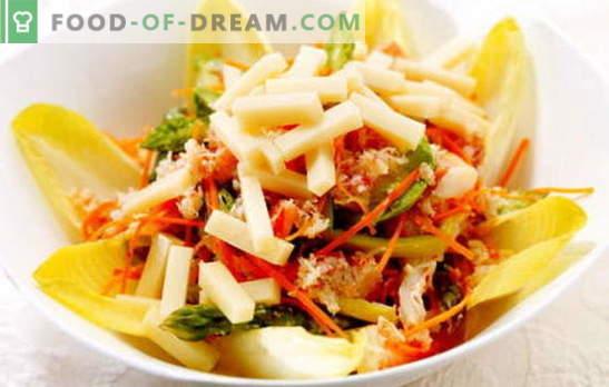 Salată și biscuiți corectici coreeană: rețete. Gătit la domiciliu o salată delicioasă și consistentă cu morcovi și biscuiți coreeni