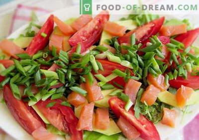Salată cu somon și roșii - rețetele potrivite. Salată de gătit rapidă și gustoasă, cu somon și roșii.