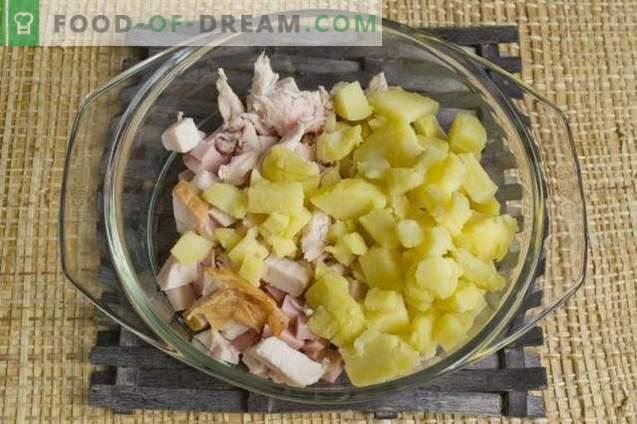 Salată cu piept de pui afumat și legume