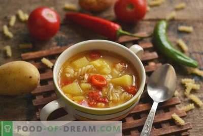 Sriuba su makaronais ir daržovėmis - greitai, sveikai ir skaniai