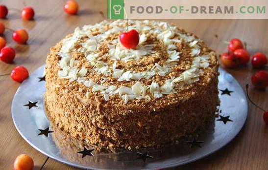 Medaus tortas su kondensuotu pienu - desertas bet kokiai progai. Kaip kepti skanų medaus pyragą su kondensuotu pienu: receptai pradedantiesiems