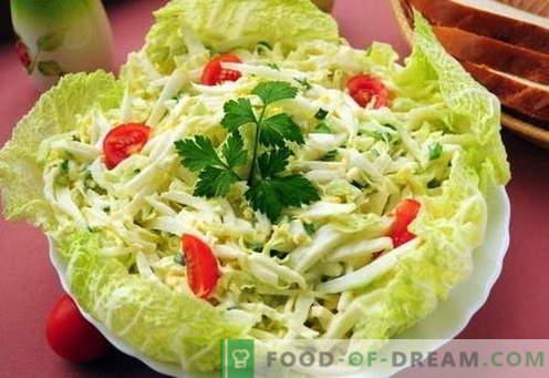 Salată de varză chineză - cele mai bune rețete. Cum să gătesc în mod corect și gustos salată de varză chineză.