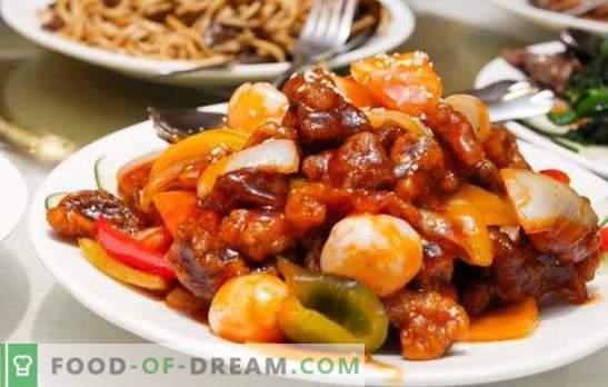 Legume friabile și legume prăjite - coapte cu carne într - un aragaz lent. Gatirea oricărui fel de carne cu legume într-un aragaz lent