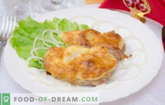 Carne de porc în brânză în cuptor - este mâncat fără oprire! Rețete de brânză de porc în cuptor cu ciuperci, ananas, roșii, cartofi, prune