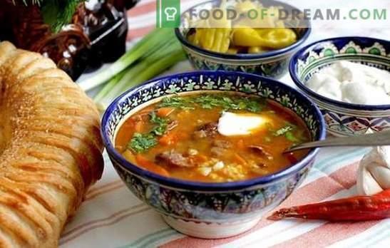 O rețetă pas cu pas pentru supa kharcho de pui, de miel sau de carne de vită. Modalități de pregătire a supa de pui kharcho într-o rețetă pas-cu-pas