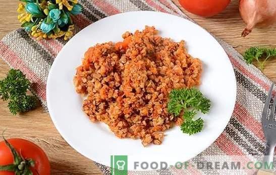 Terci din hrișcă în sos de roșii: hrana pentru sportivi și pierderea în greutate poate fi delicioasă! O simplă foto-rețetă pentru hrișcă într-o sos de roșii parfumată